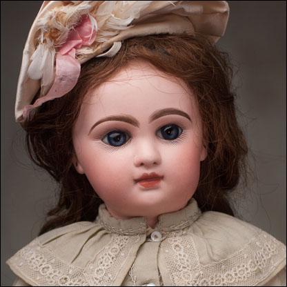 Douillet Jumeau Doll