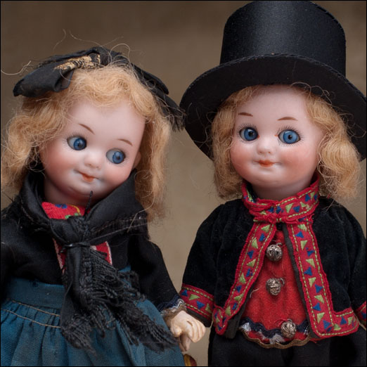 Pair of Googly dolls by AM