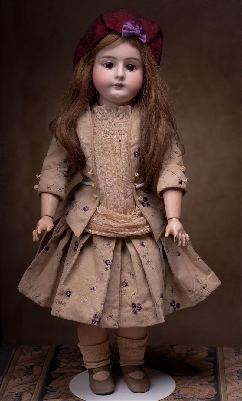 Кукла фирмы HANDWERCK для французского рынка - 68 см, 1900-е годы.