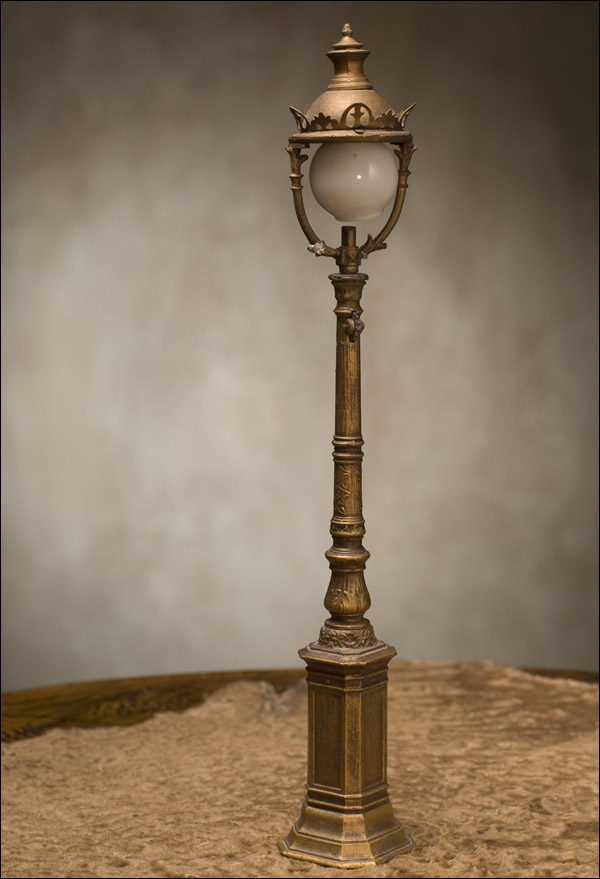 Miniature Street Lamp