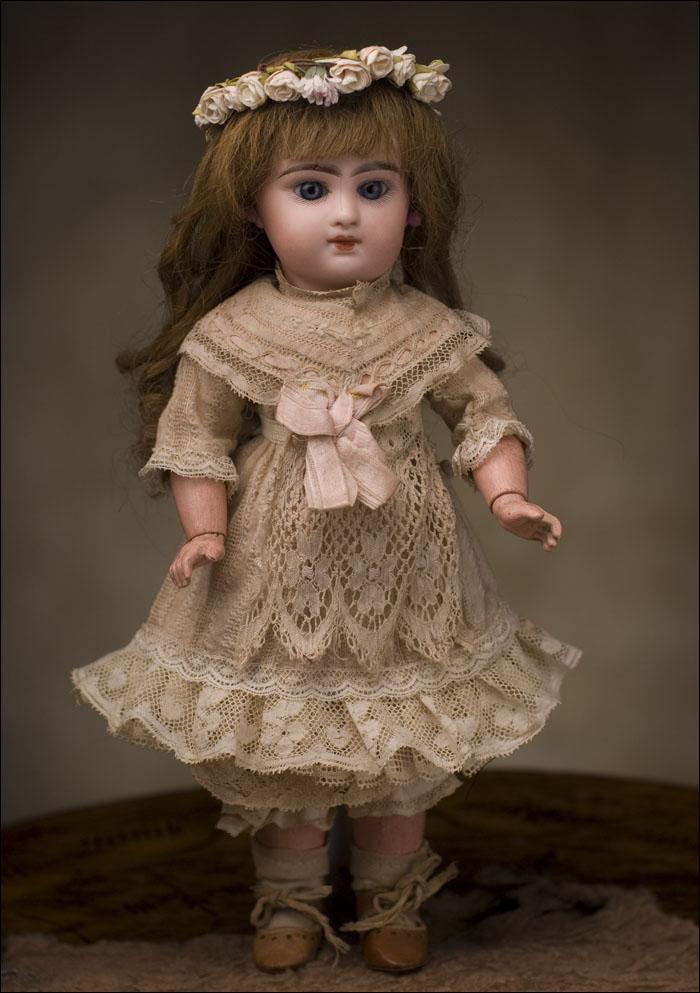 Кукла  с закрытым ртом Emile Douillet -для JUMEAU- Париж, 1890-е годы