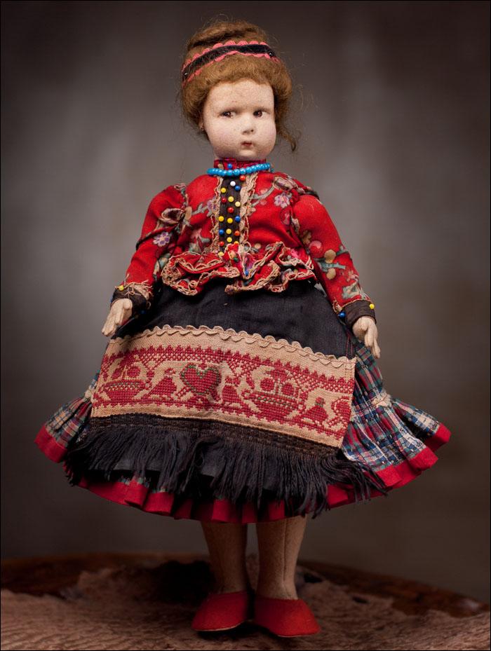 Итальянская фетровая кукла фирмы LENCI - в русском костюме! 38 см