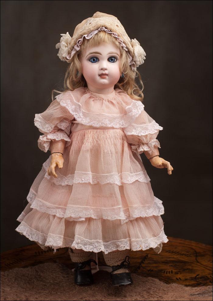 Кукла  JUMEAU с закрытым ртом - кабинетного размера 38 см.