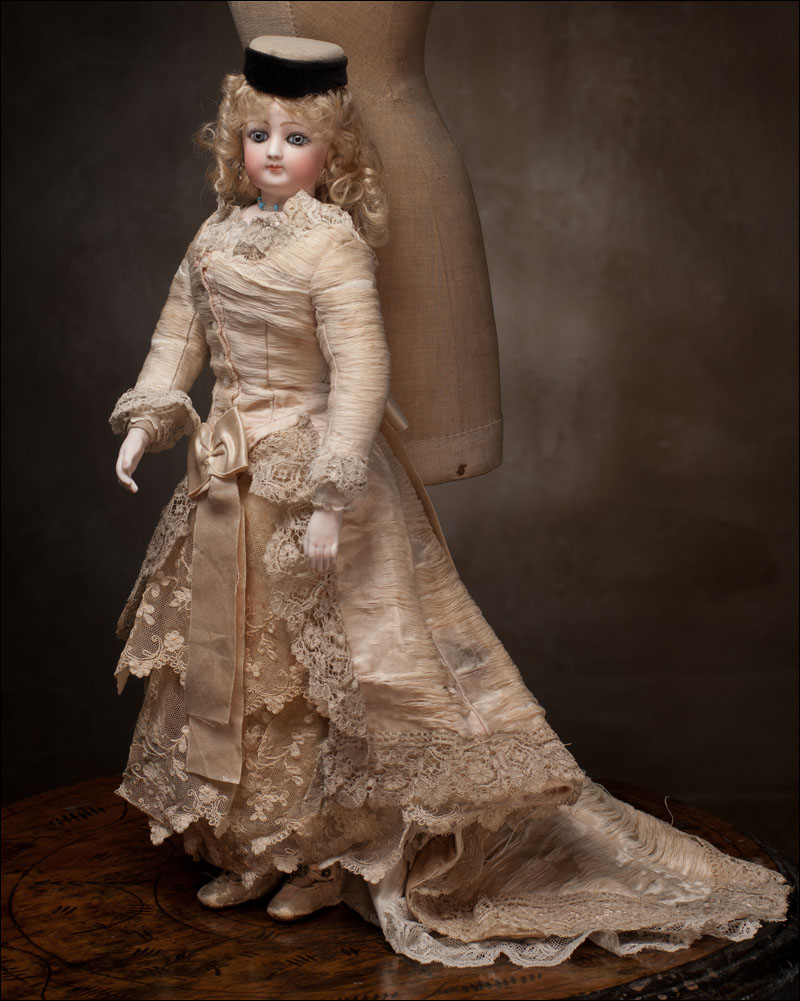 Редкая модная кукла Gaultier с необычным