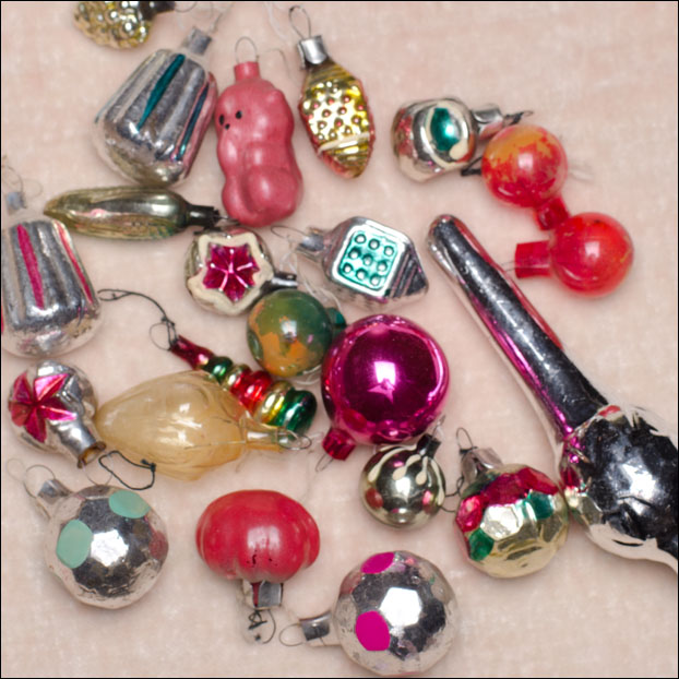 Set of 21 vintage miniature Christmas ornaments + small topper