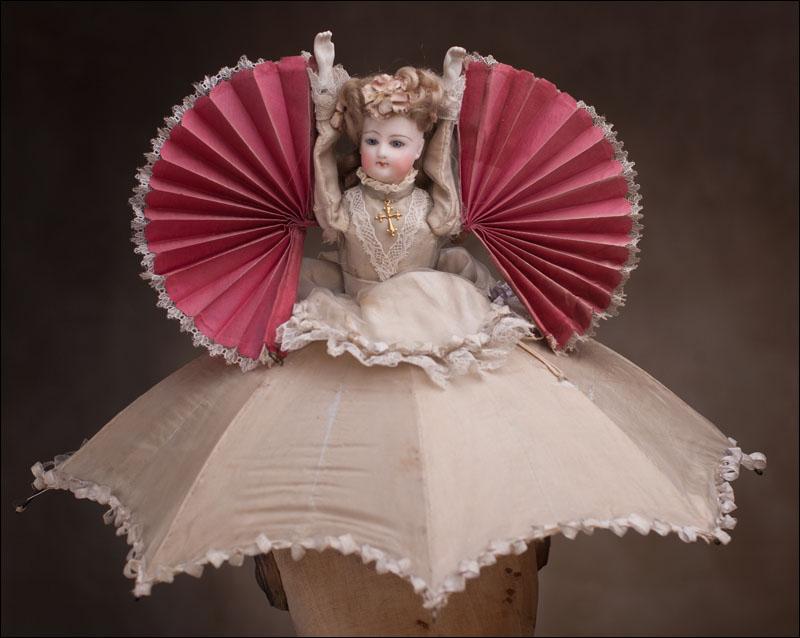 Кукла Зонт/веер 1875г.