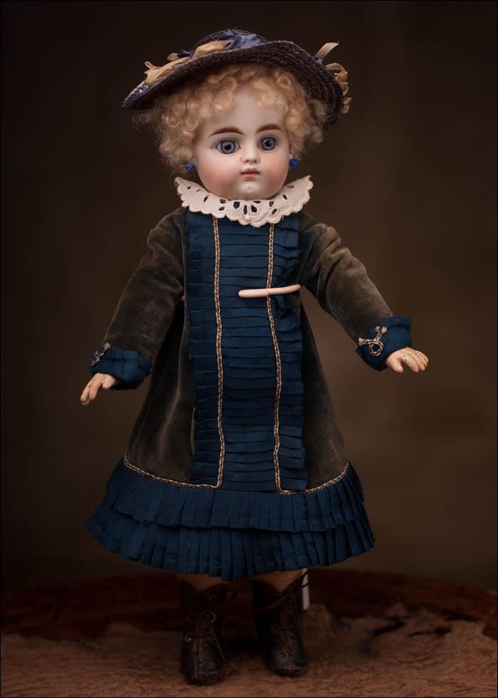 Ранняя кукла Bebe Mascotte с закрытым ртом, фирма May Freres, 1890е годы 32 см