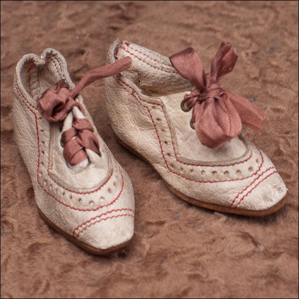 Cream leather doll shoes