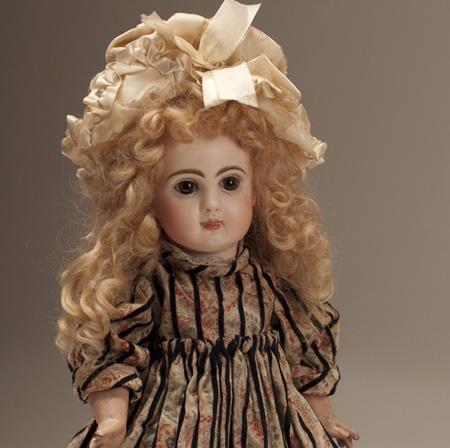 Jumeau bebe doll size 5