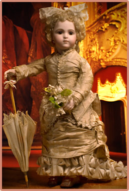 Antique dolls at Respectfulbear.com
