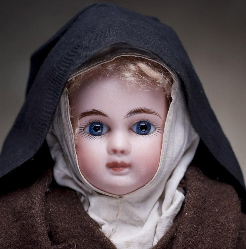 Кукла STEINER 30 см в костюме монашки