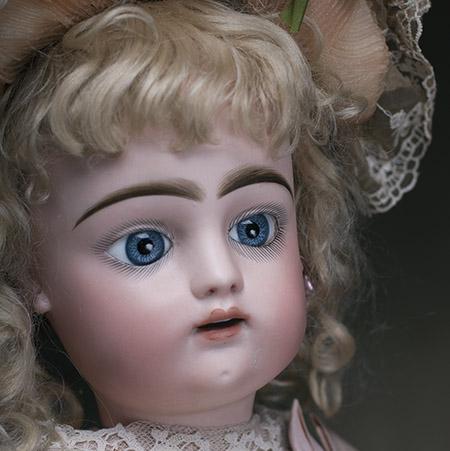 FG bebe doll