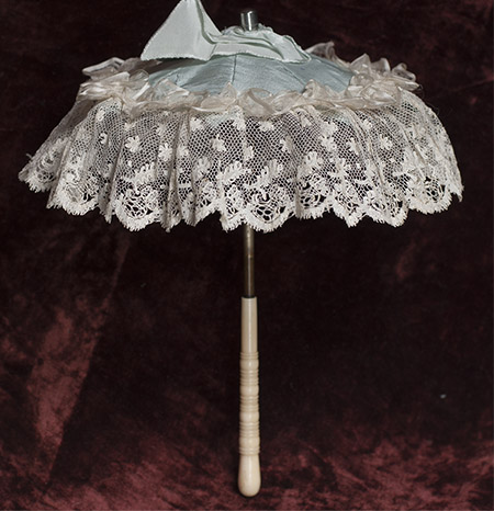 Small parasol for fashion doll