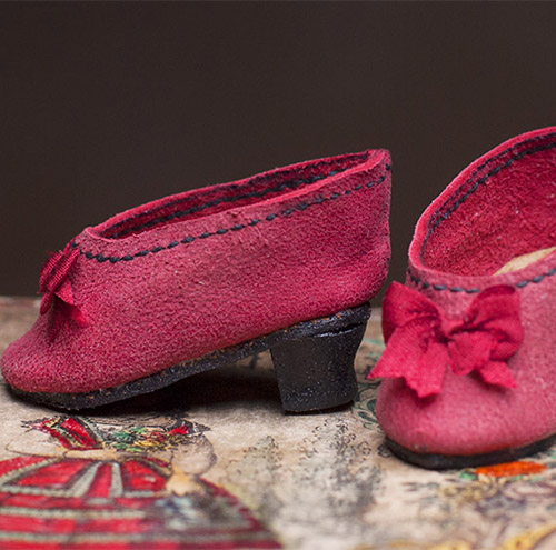 Red slippers for fashion doll