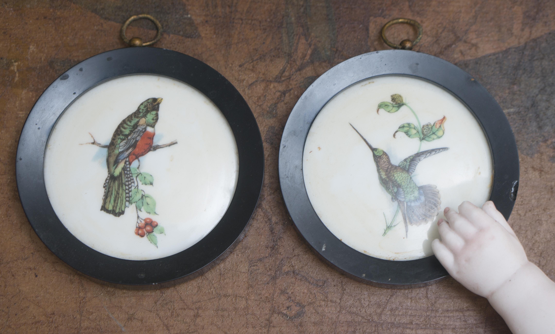 Два старинных французских медальона для интерьера модной куклы
