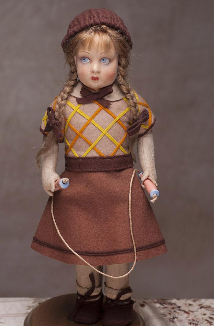 Итальянская кукла-девочка со скакалкой фирмы Lenci, модель Рита, 1927 год.