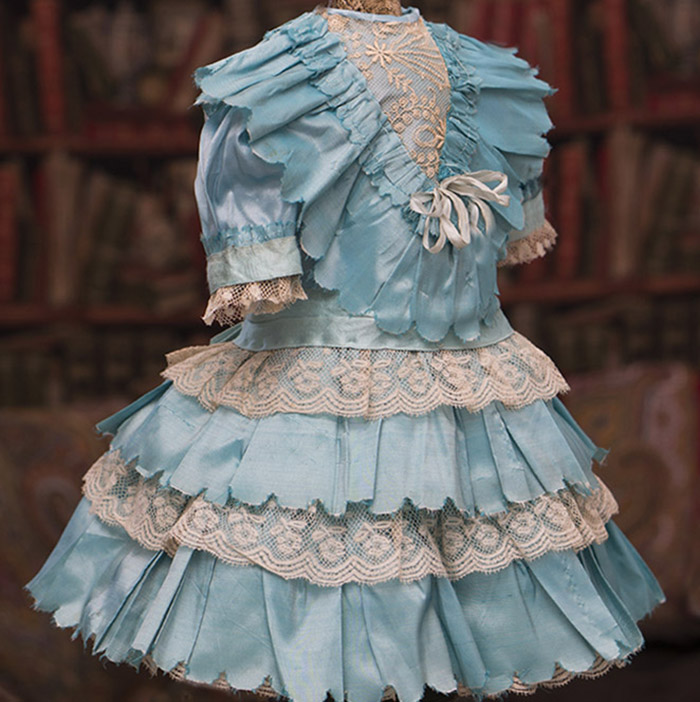 Dress for doll about 19-21
