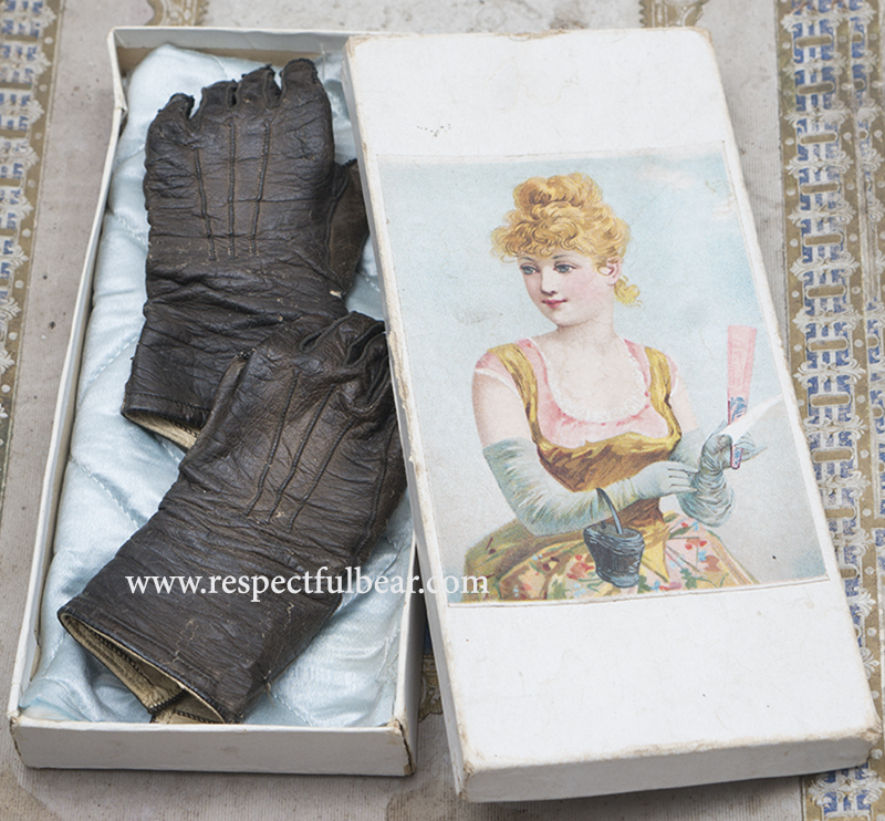 Antique Jumeau gloves
