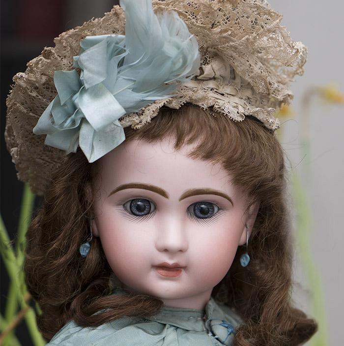 Bebe Louvre Jumeau doll