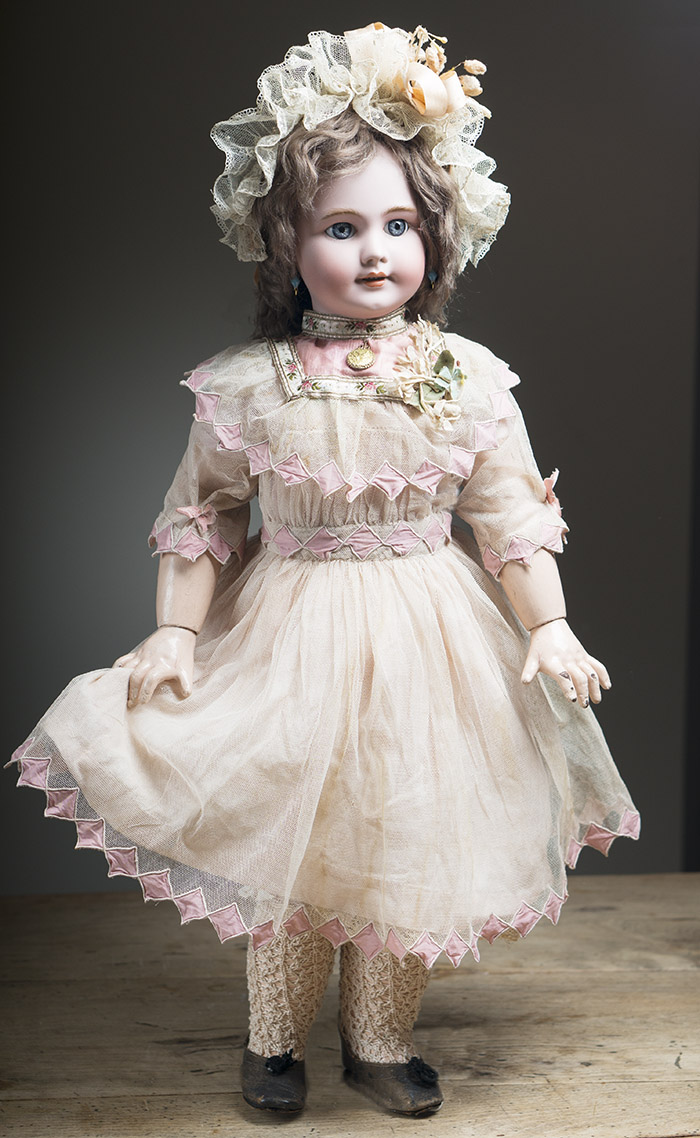 Платье старинное для куклы