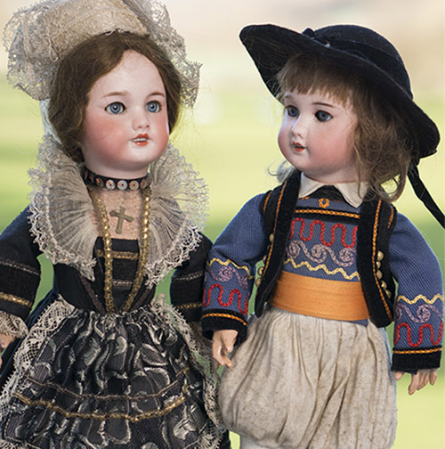 Pair SFBJ doll Bleuette size