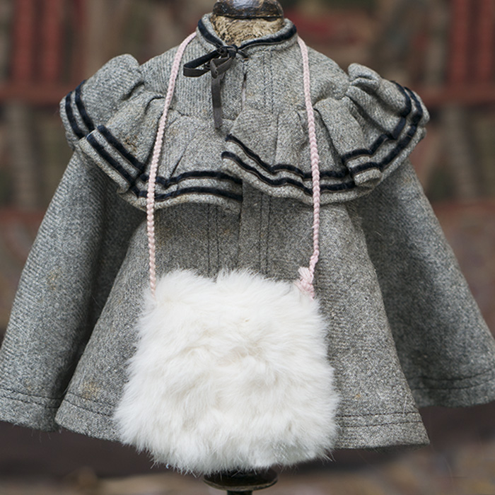 Muff and cape for doll