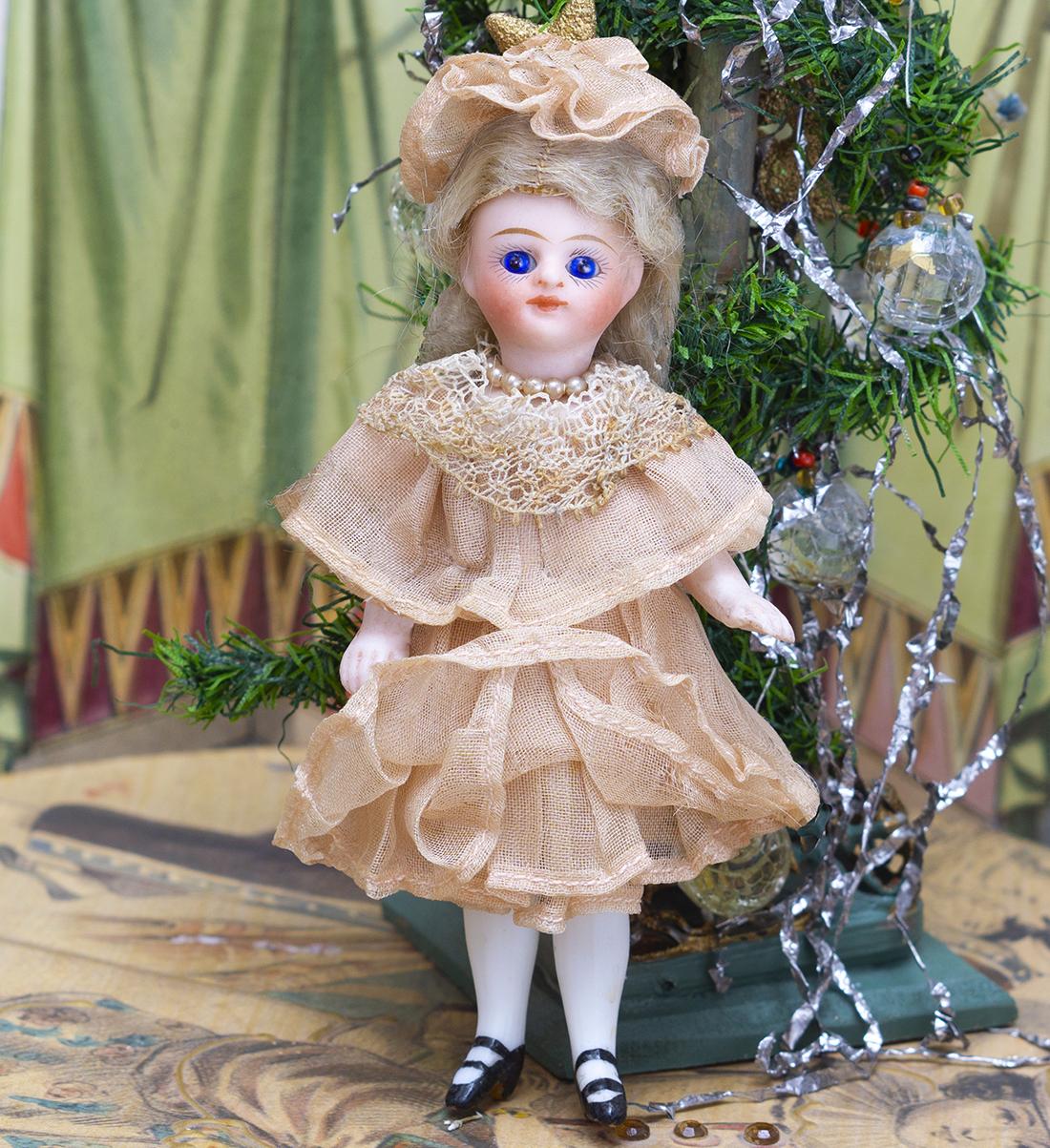 11 см Французская куколка Mignonette в оригинальном костюме
