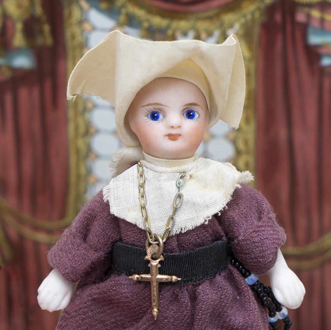 All Bisque Nun Mignonette