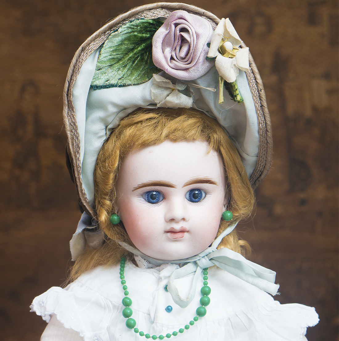 Denamur closed mouth doll