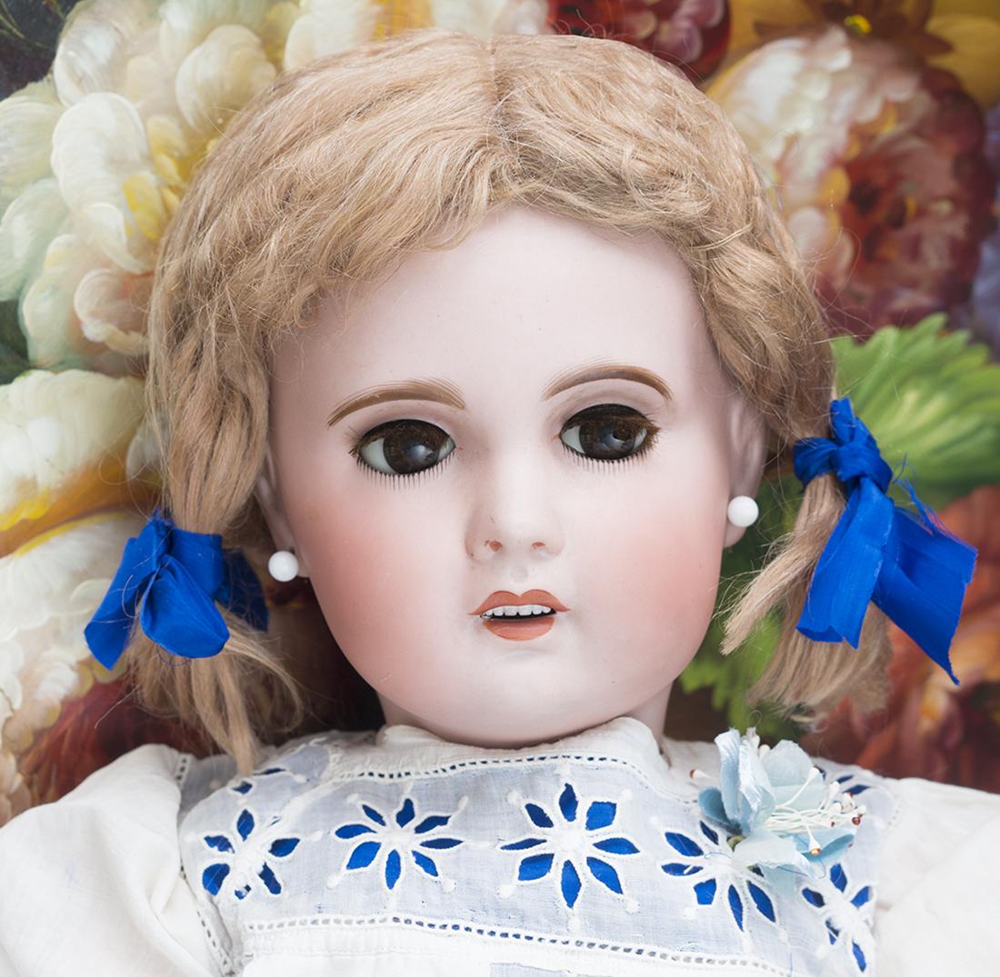SFBJ Jumeau Bebe doll size 12