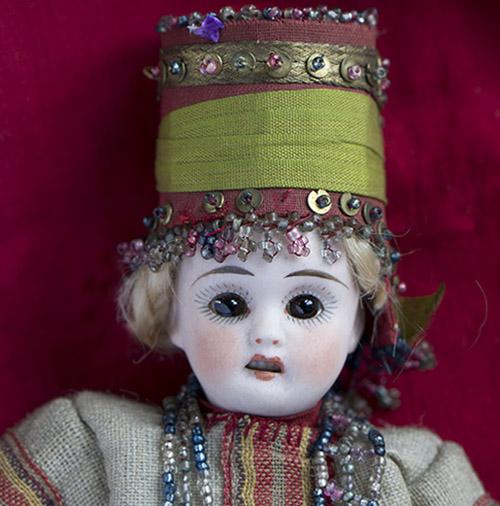 Куколка в костюме из Бартрамовских мастерских, 1900г.