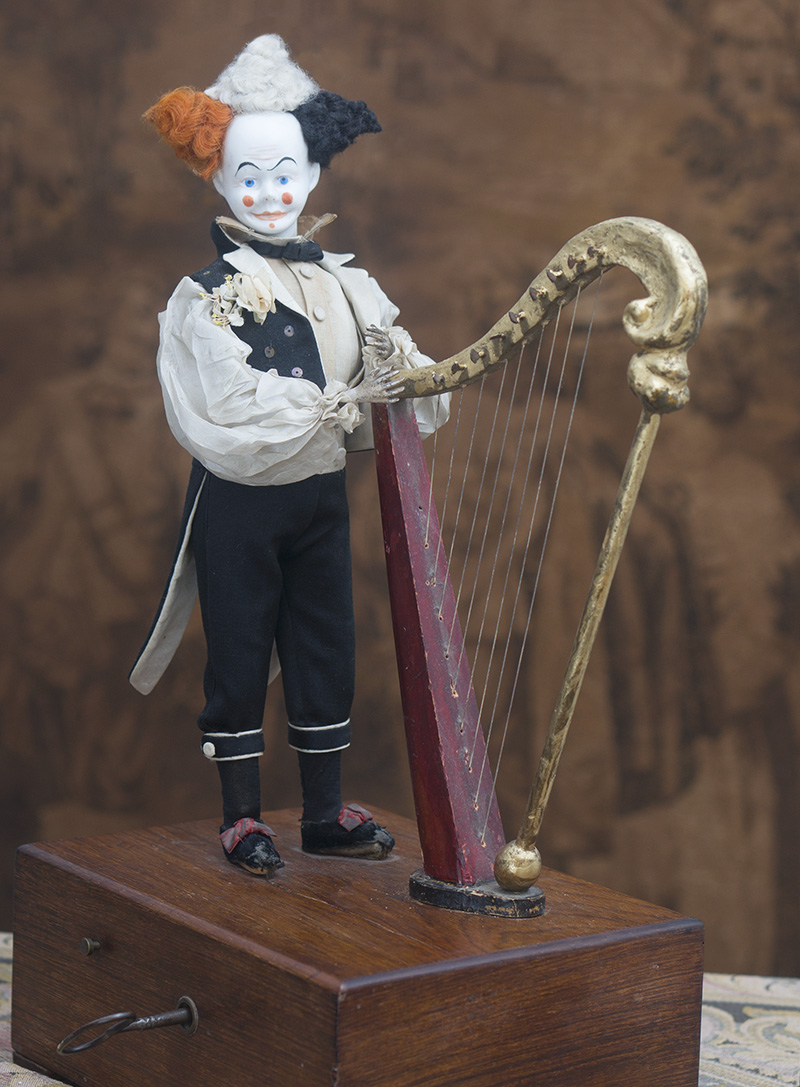 Редкий автомат фирмы VICHY Клоун, играющий на арфе
