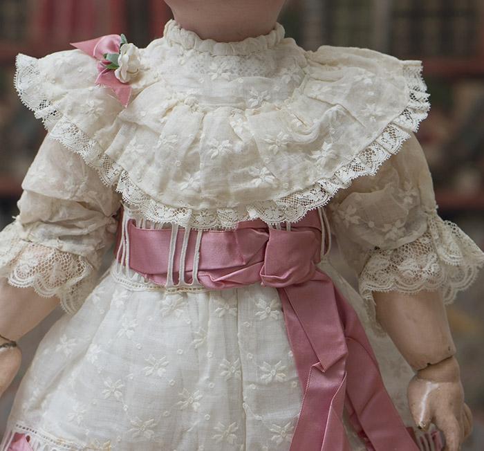 Антикварное платье для куклы