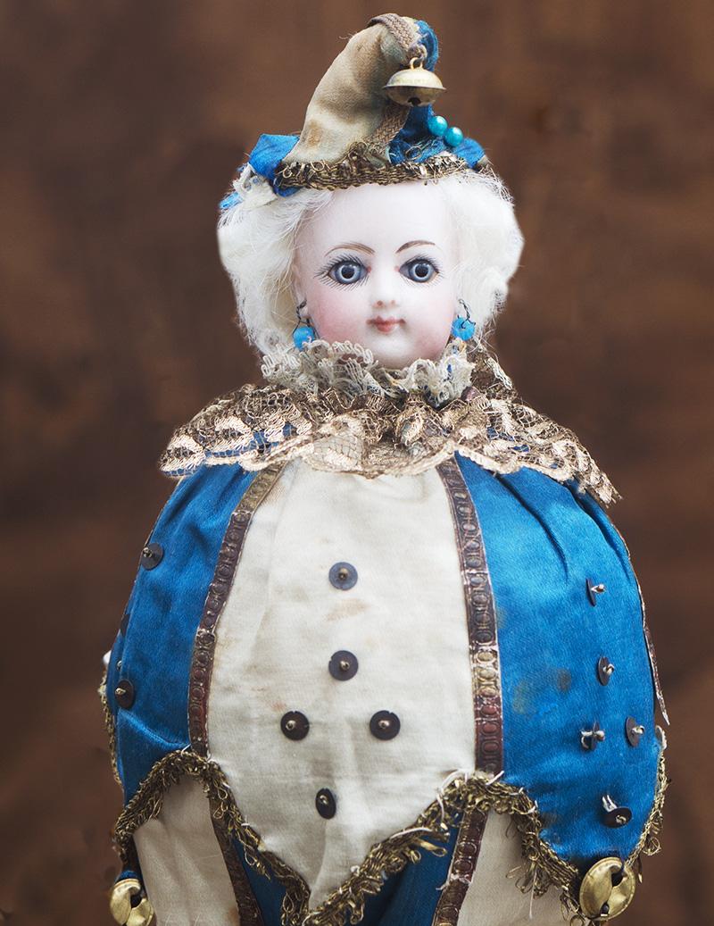 Музыкальная кукла-игрушка Marotte в оригинальном костюме