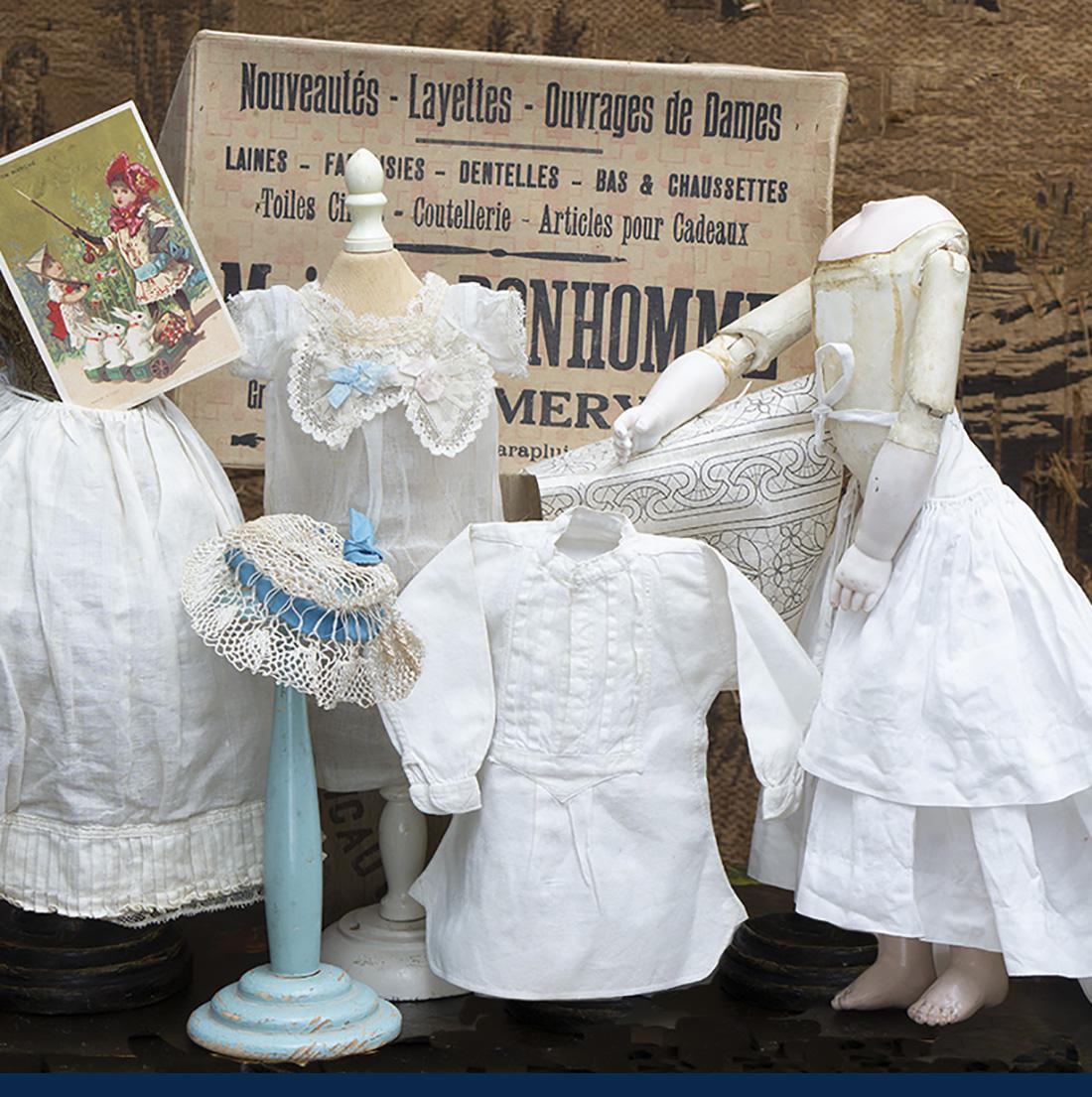 Antique fashion doll set