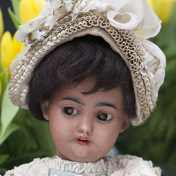 Simon & Halbig 1039 Mulatto bisque head doll