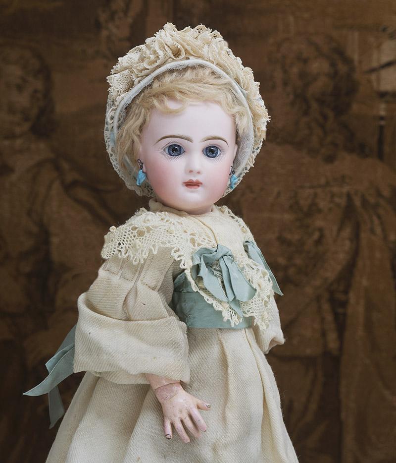 33 см Bebe Jumeau  с закрытым ртом, в оригинальном платье