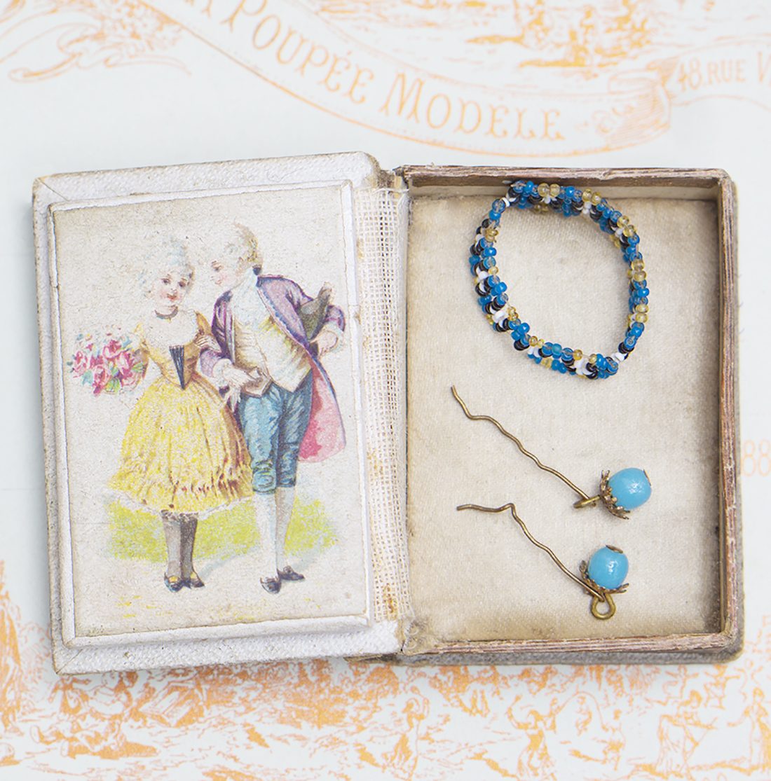 Antique set for fashion doll