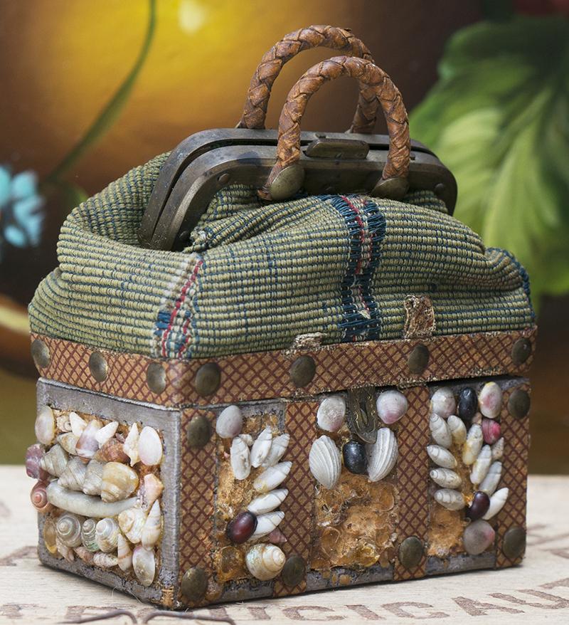 Дорожная сумка - редчайший аксессуар для модной куклы