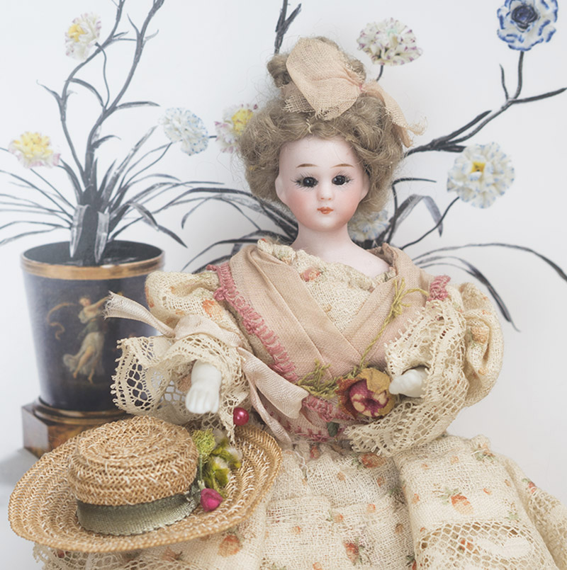 S&H lady dollhouse doll