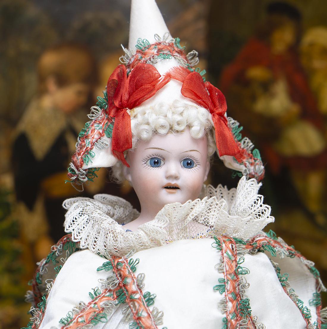 Музыкальная кукла MAROTTE