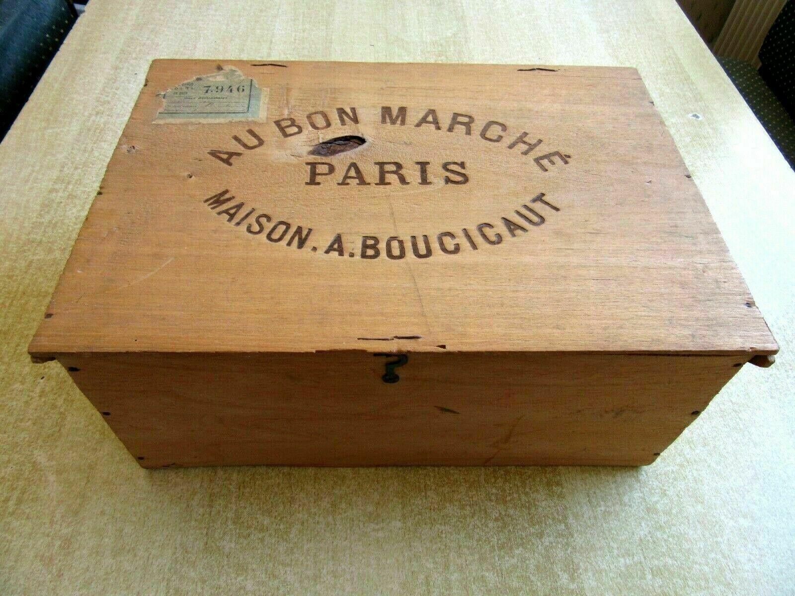 AU BON MARCHE  Box