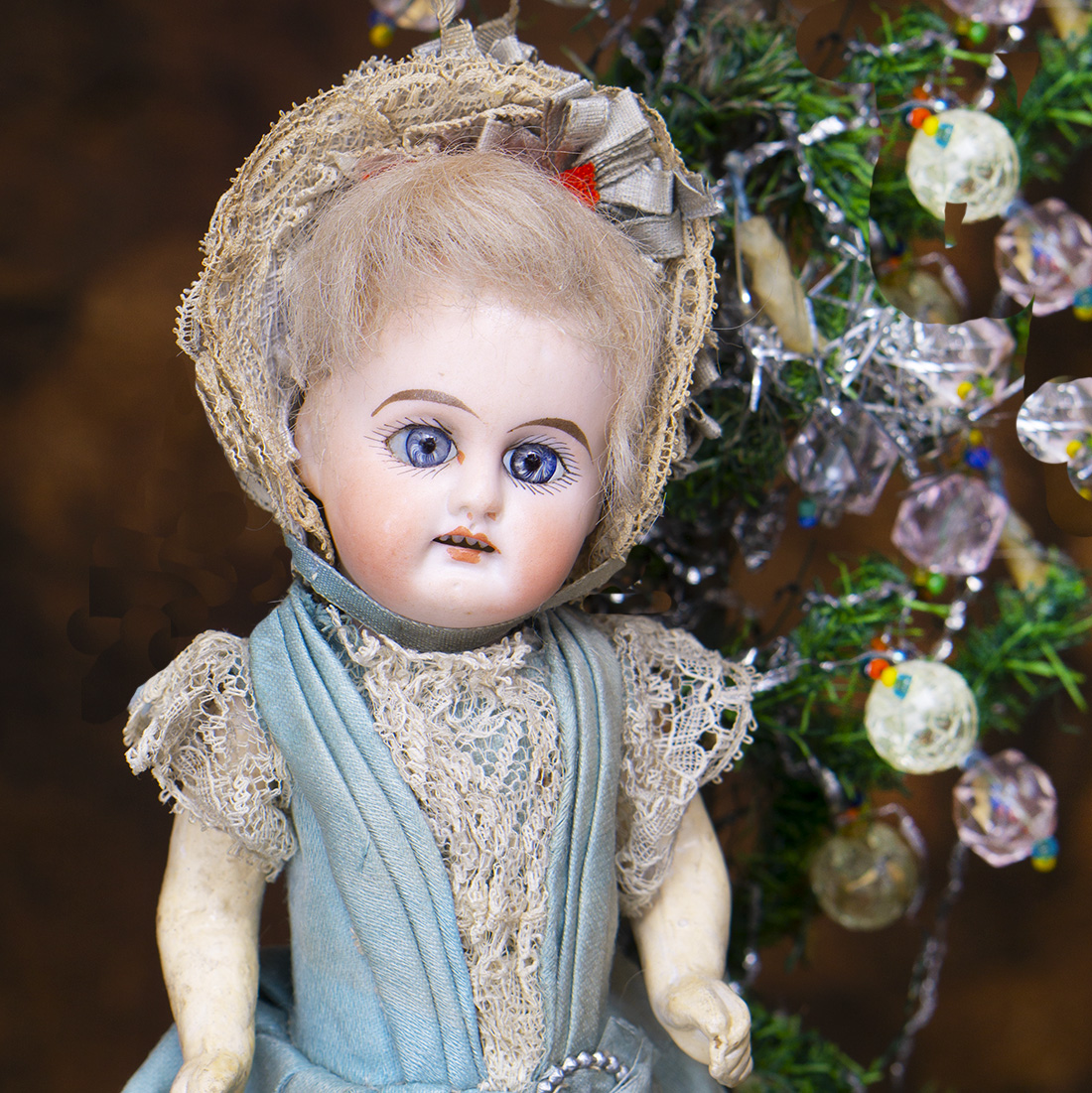 8in Mignonette doll