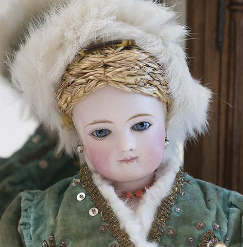 Модная Jumeau в русском костюме!