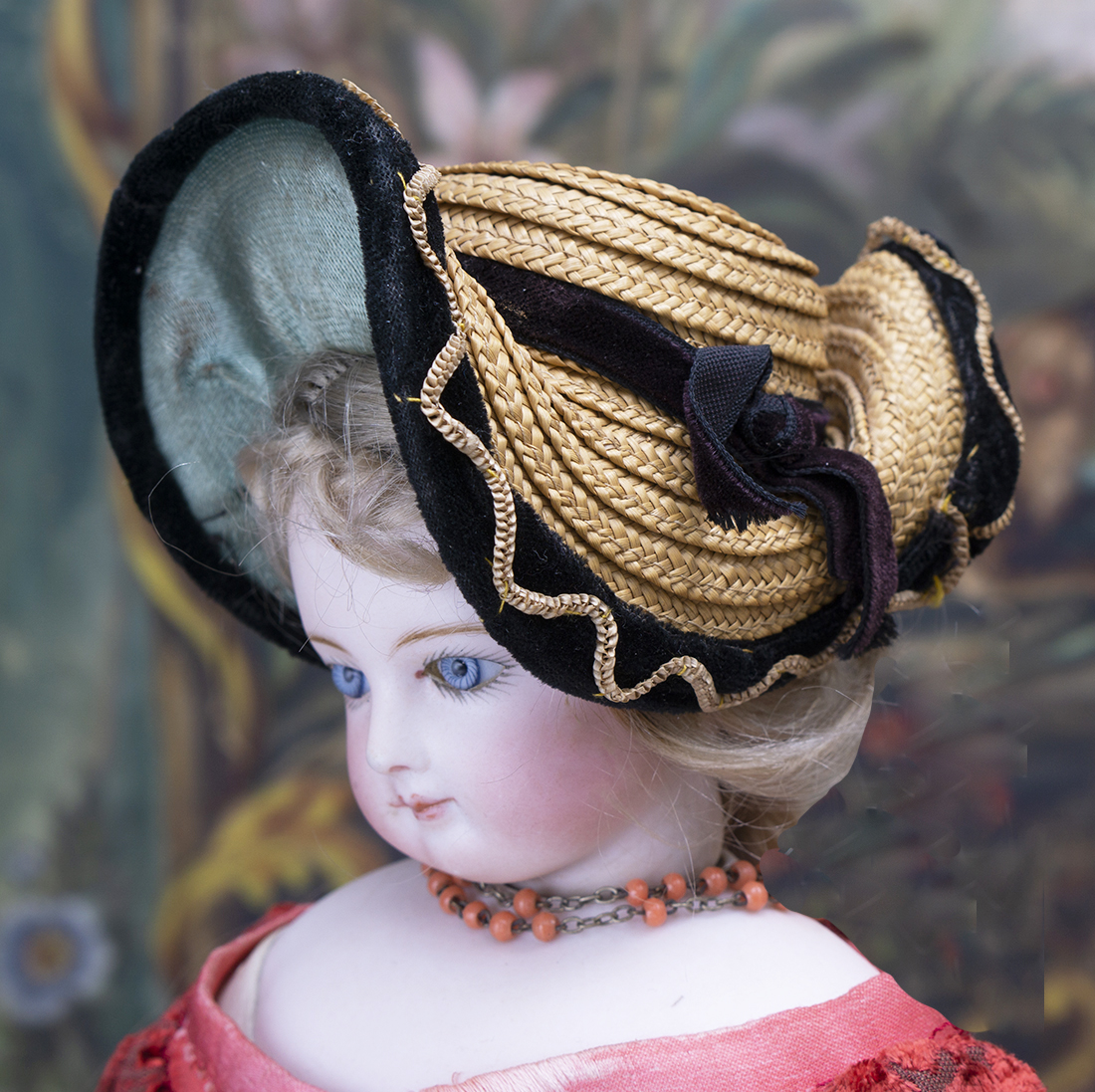 Antique Au Deux Bonjour hat