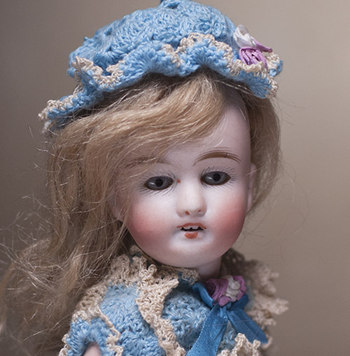 Antique Mignonette doll 7 1/2 in
