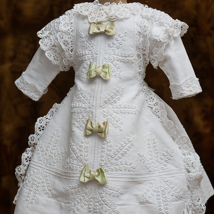 Whitq Pique dress w/soutage
