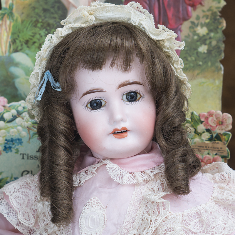 Antique german doll model  1902
