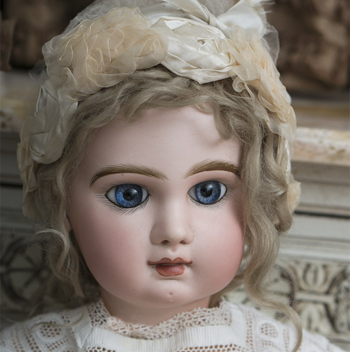 Large Early Jumeau doll size 13