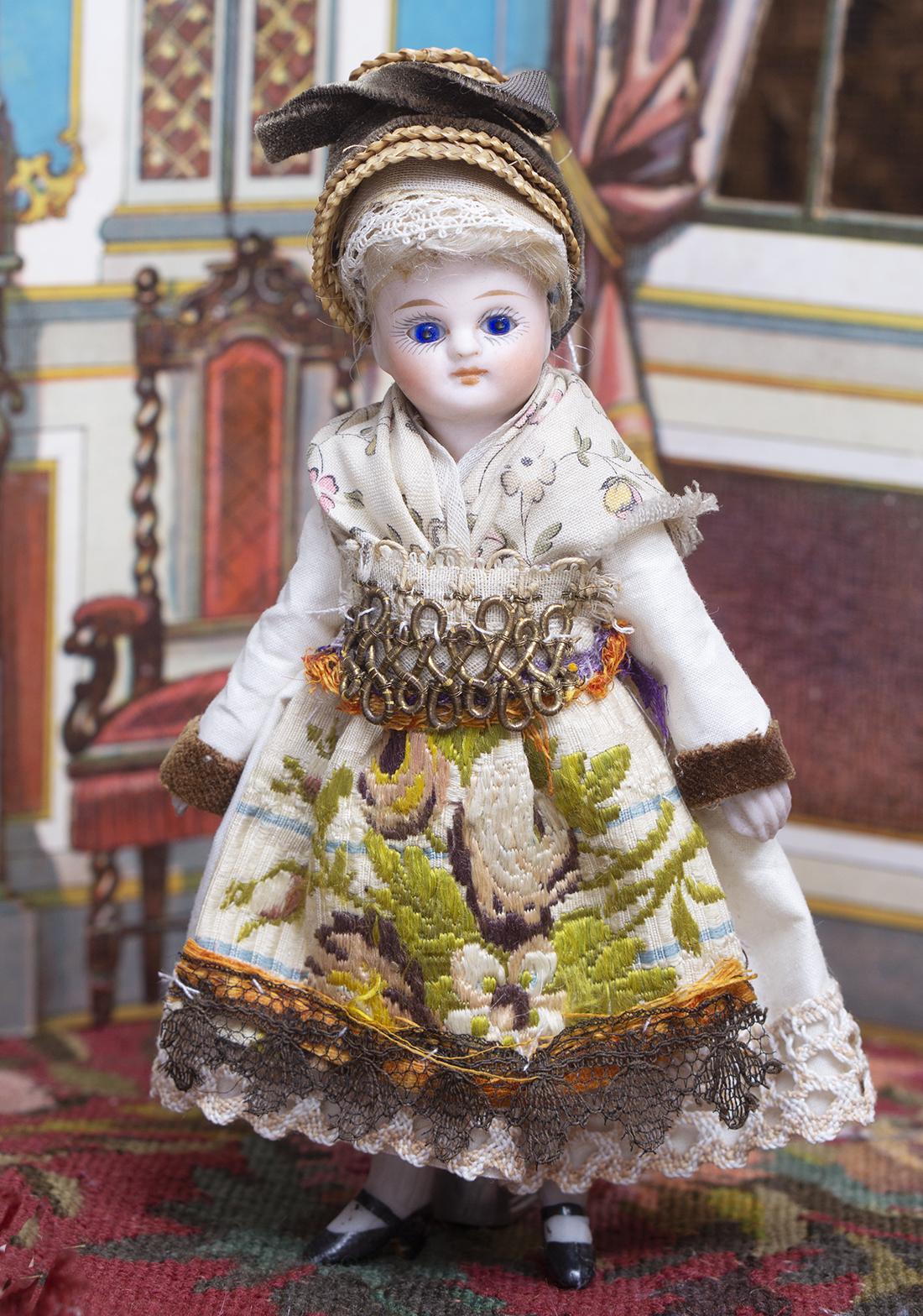 13cм Французская фарфоровая куколка Mignonette  в оригинальном костюме